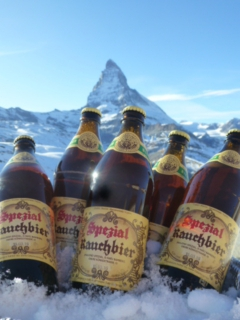 Winterliche Neujahrsgrüße vom Matterhorn